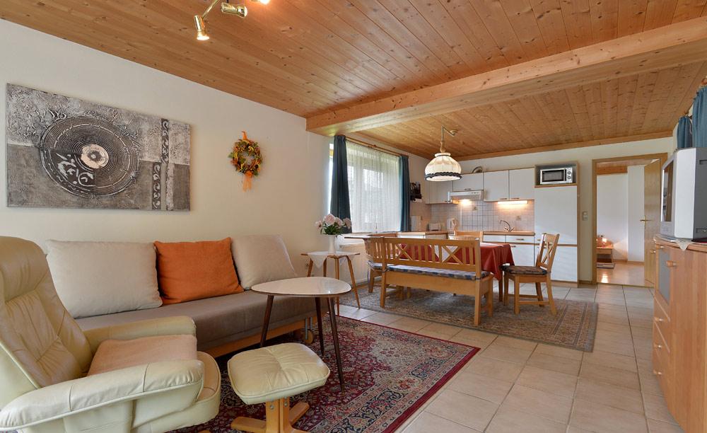 03-Appartement-2-Wohnraum-&-Kueche